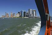Le départ du South Ferry Terminal vous offre une vue à couper le souffle sur la pointe Sud de Manhattan.