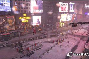 New York paralizzata dalla tempesta di neve Stella