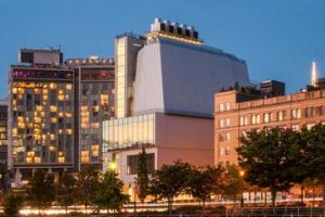 entr-e-au-whitney-museum-of-american-art-in-new-york-city-221053